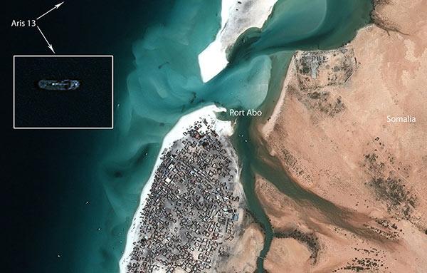 Identification of Aris 13 tanker on a Pléiades satellite image